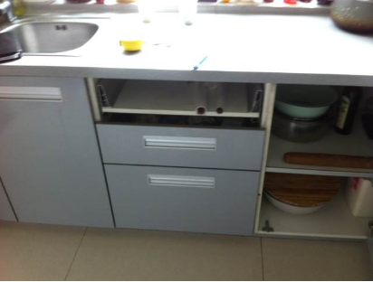 王先生2010年装的某品牌厨柜